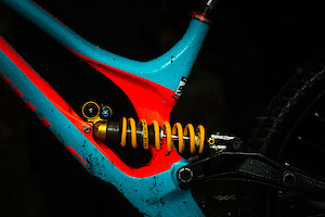 Öhlins team up with Specialized Gravity Downhill Mountainbike Team for 2017 attack!